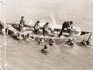 bailing-life-boat