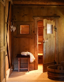rustic-log-cabin-design-stunning-interiors-13-2